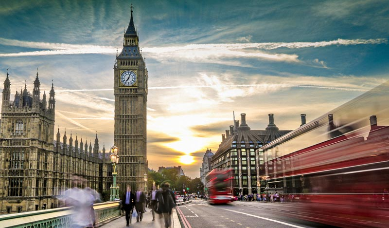 hero-blog-why-sovereign-public-cloud-is-a-game-changer-for-the-uk-public-sector-and-the-citizens-it-serves-1920x350